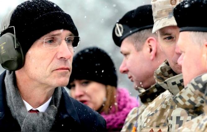 Солдатам НАТО советуют одеваться теплее