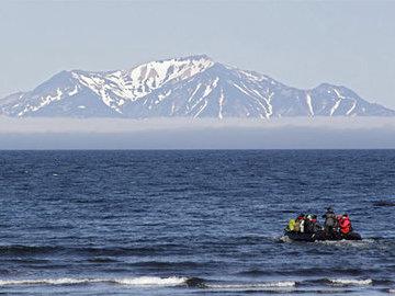 Зюганов выступил против передачи Курильских островов Японии