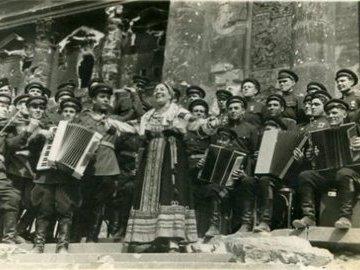 Как любимую певицу маршала Жукова обвинили в грабеже трофейного имущества