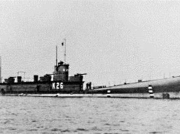 Битва у острова Мэй : подводная катастрофа британского флота