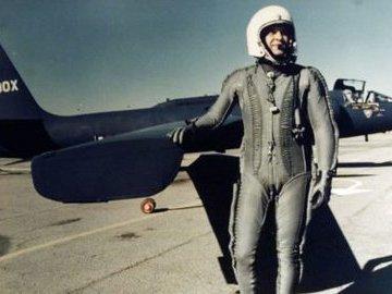 В чем в США обвинили пилота Гэри Пауэрса, сбитого под Свердловском