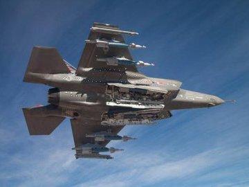 Истребители F-35 готовят к боям с российскими Су-57