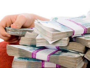 Раскрыты размеры зарплаты и пенсии депутата Госдумы