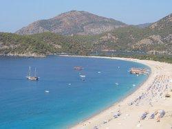 Турецкий отель предложил отравившимся туристам продлить свой отдых за счет заведения