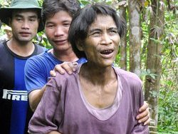 В джунглях Вьетнама обнаружены двое мужчин, прожившие в лесу 40 лет