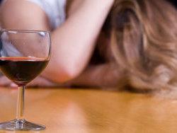 Ученые доказали, что женщины привыкают к алкоголю быстрее чем мужчины