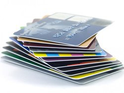 Центробанк обязал банки защитить пластиковые карты микрочипами