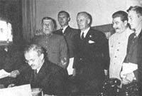 Нам ничего не досталось : в Румынии хотят аннулировать пакт Молотова-Риббентропа