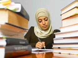 Школьникам запретят носить хиджаб и рваные джинсы