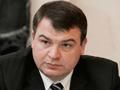 Министр Сердюков отказывается видеть врага в лице НАТО