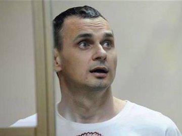 В Киеве не поверили, что Сенцов добровольно прекратил голодовку