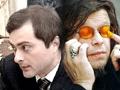 Сурков попросил рок-музыкантов подальше держаться от политики