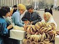 Десять советских традиций, которые по-прежнему удивляют иностранцев