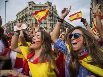 Экс-глава Каталонии надеется на встречу с руководством России
