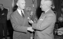 """""""Русские идут"""": как гибель первого министра обороны США стала легендой"""